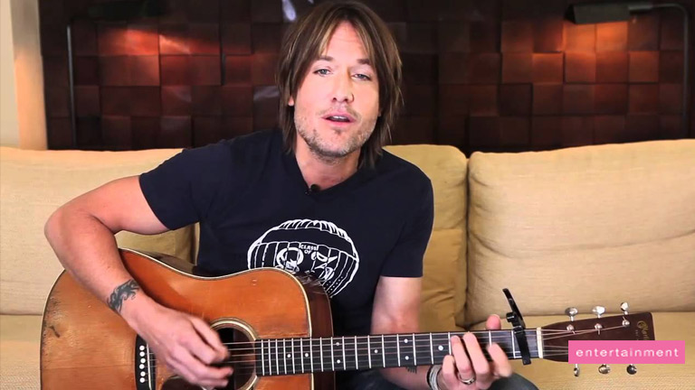 Keith Urban's acoustic tribute to artists
