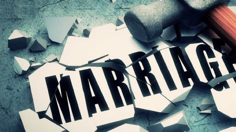 difference between divorce and annulment