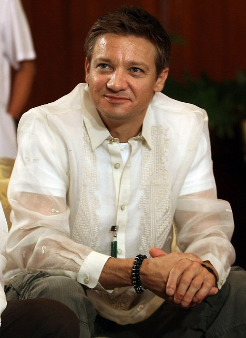 Jeremy Renner wore the Barong during a courtesy call at the Malacañang